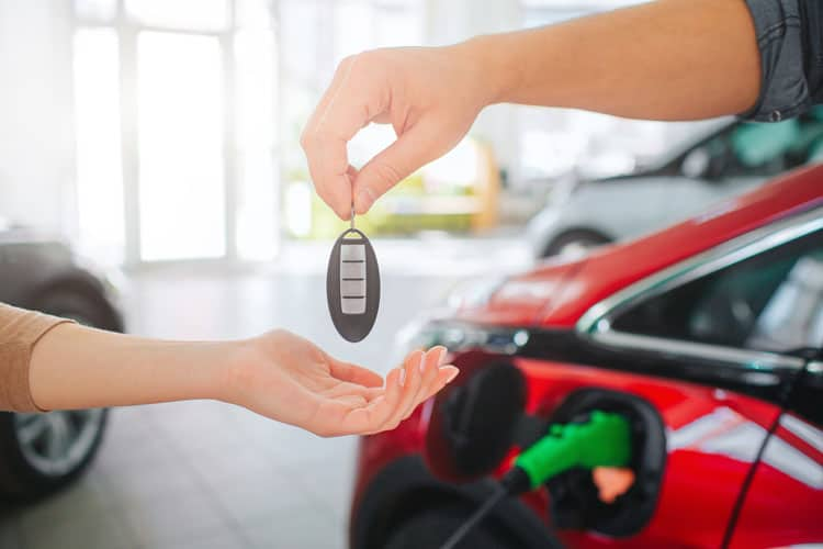 benefits of either leasing or buying an electric car